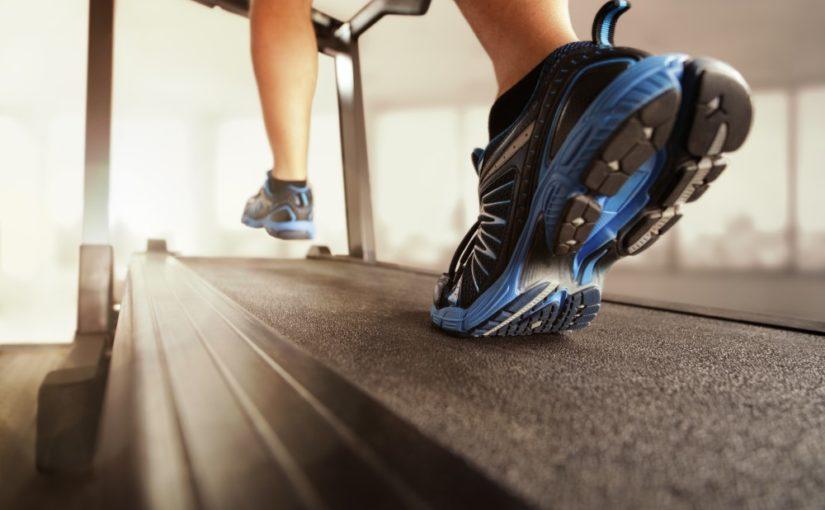 Giv et løbebånd til en person, der gerne vil løbetræne i hjemmet